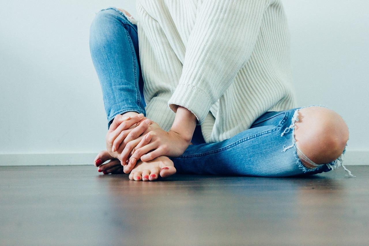 Les astuces pour refaire son jean destroy soi-même